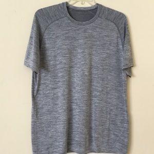 Lululemon Men's Short Sleeve Gray Size XL